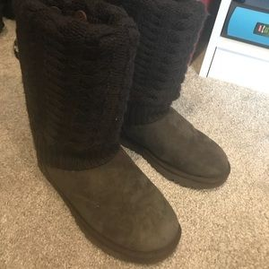 Knit cover tall brown uggs